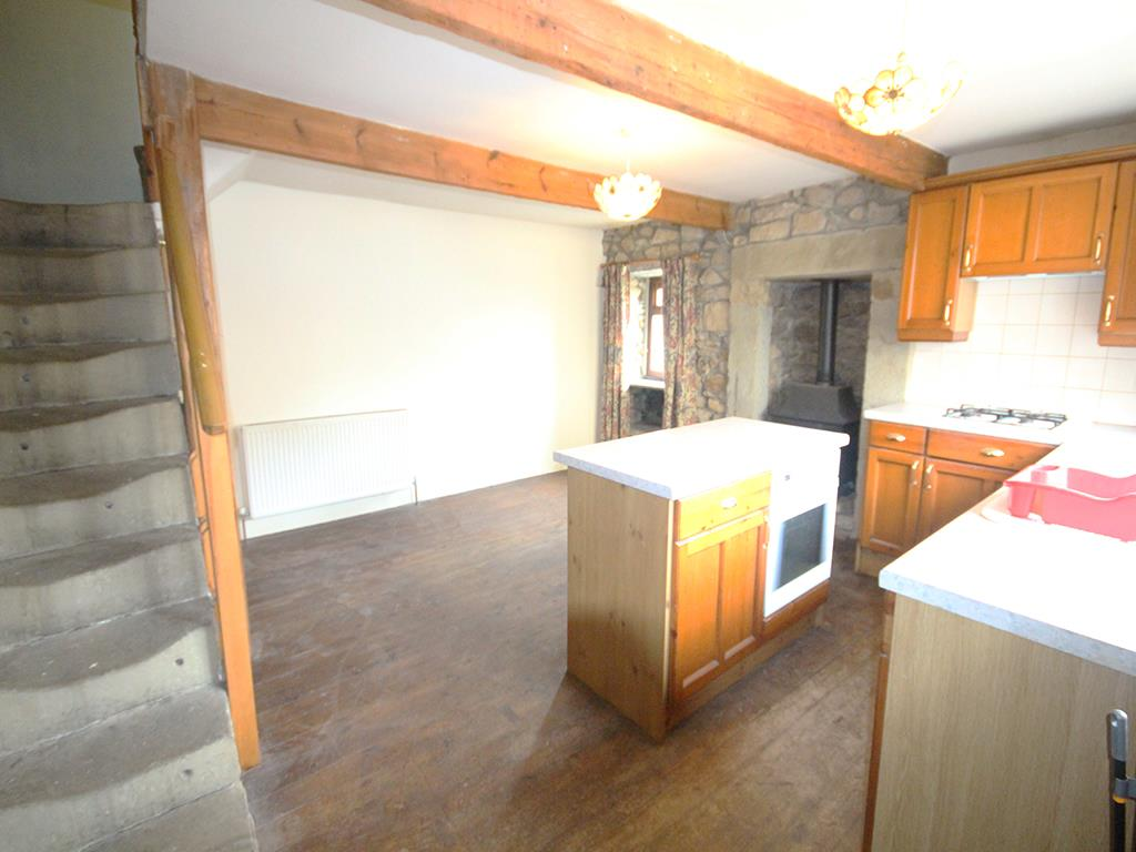 1 bedroom end terrace house To Let in Colne - Property photograph